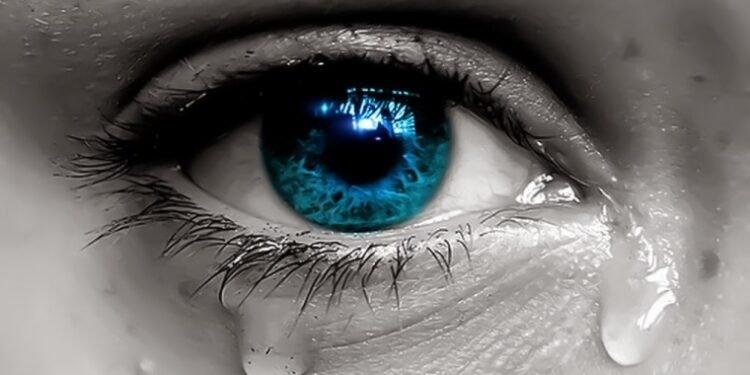 Lágrimas caindo